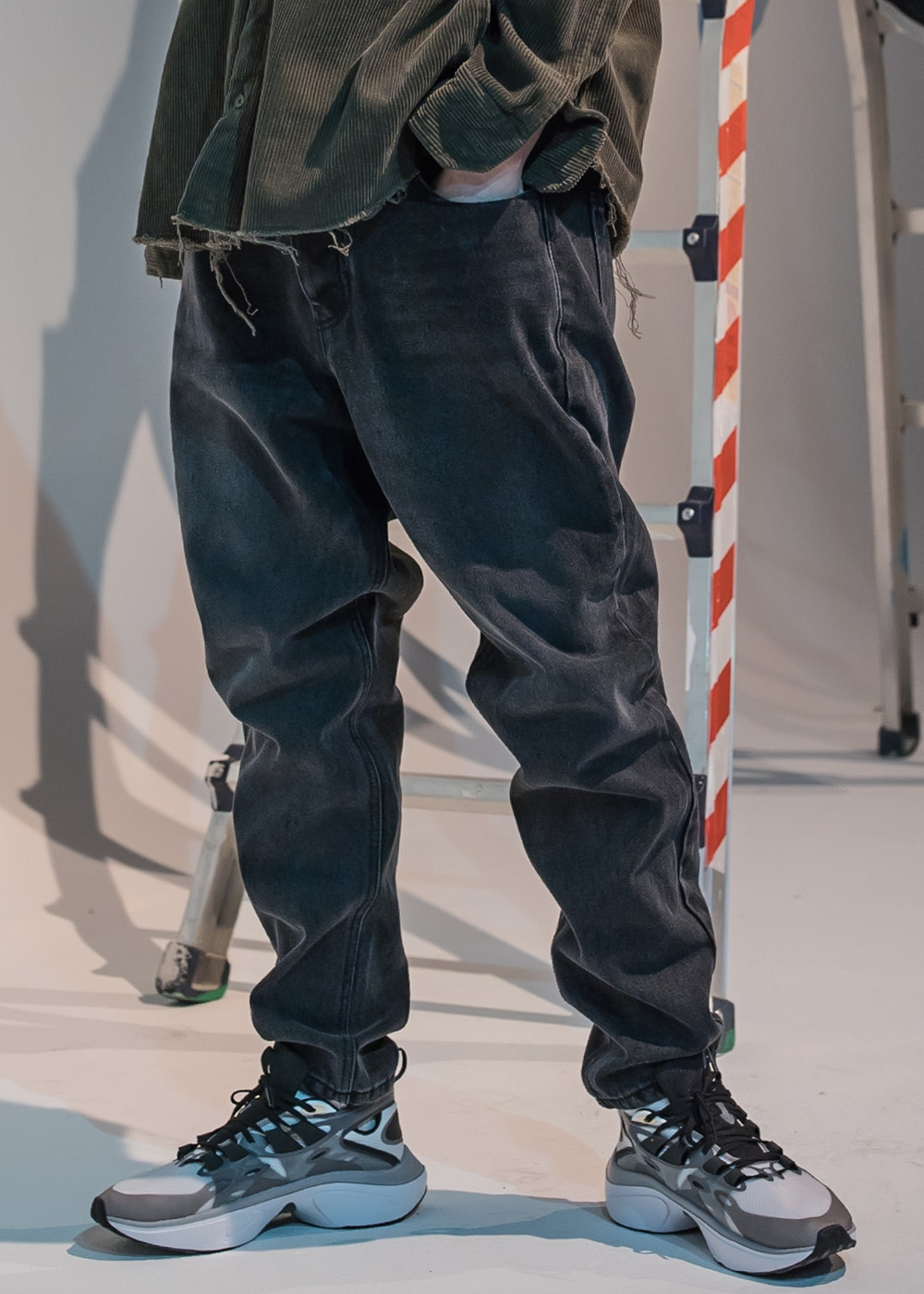 STN WASHING TAPERED DENIM PANTS MFNJP002-BK(10/18 발송예정)