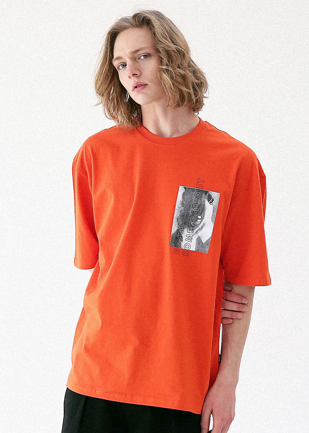 NAKEDNESS OUT OVERSIZED T-SHIRT MUVTS006-OR