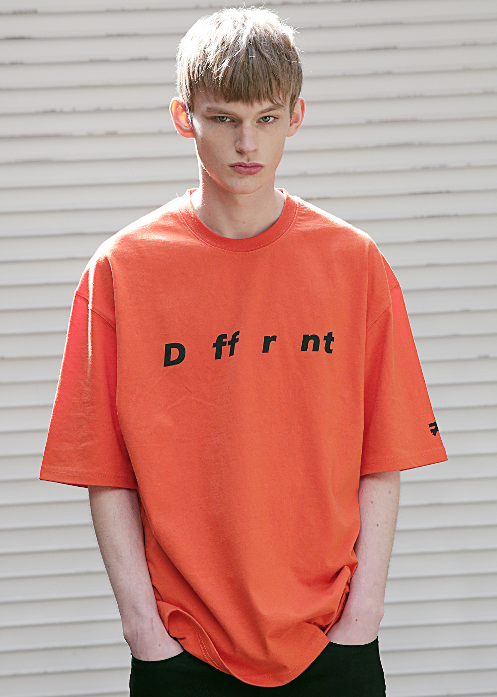 DIFFERENT REFLECTIVE OVER-FIT T-SHIRTS MSETS002-OR