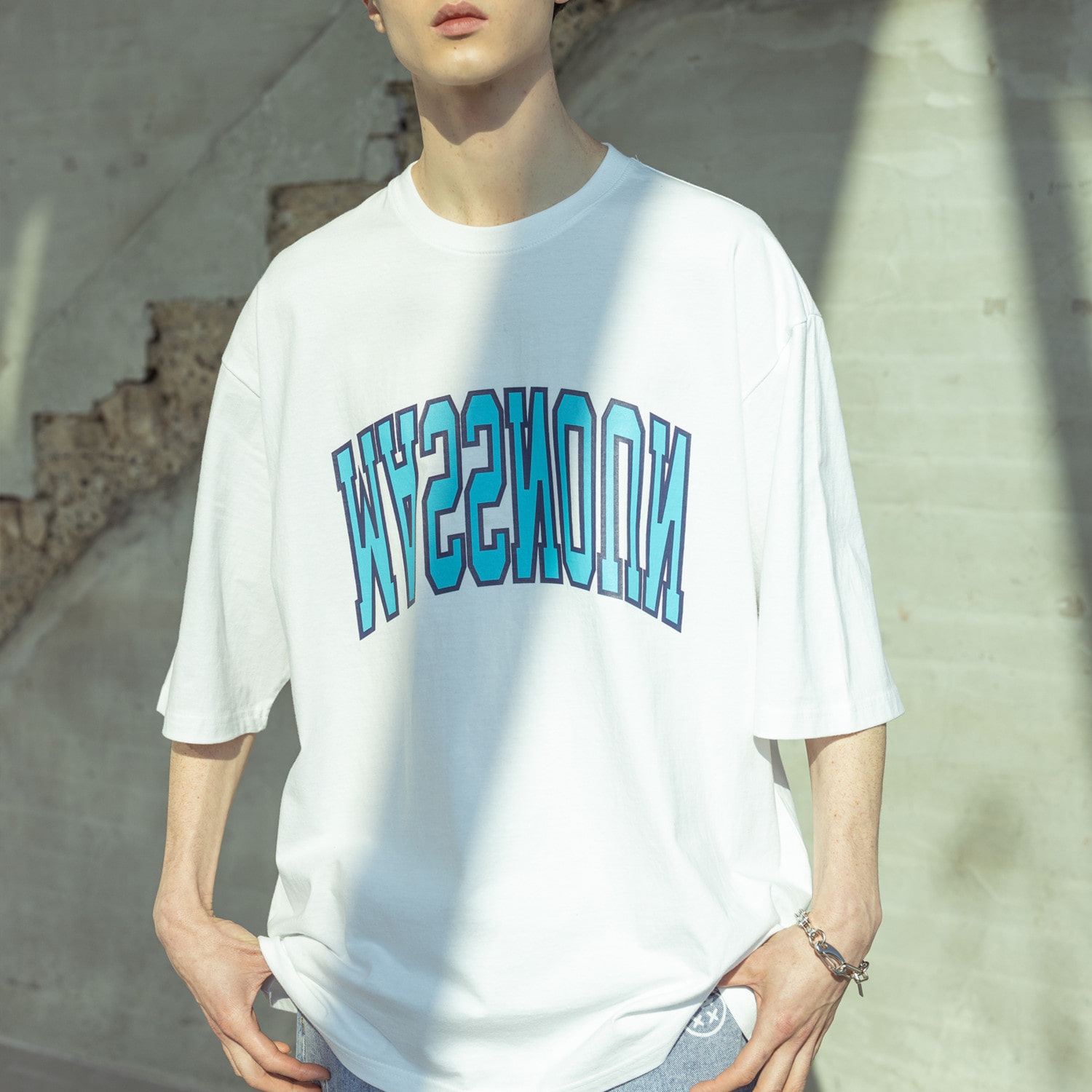 ARCH LOGO OVERSIZED T-SHIRTS MSOTS003-WT
